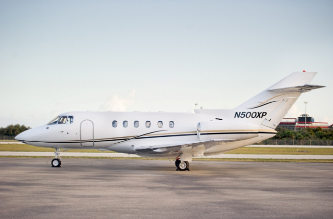 2000-Hawker-800XP-exterior.jpg
