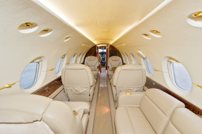 2000-Hawker-800XP-interior-2.jpg