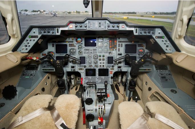2000-Hawker-800XP-interior.jpg