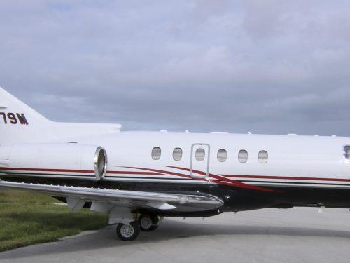 2009-Hawker-900XP__N479M__New-Exterior-3-500×375.jpg