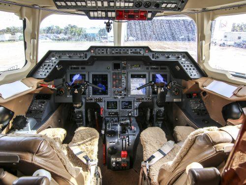 2009-Hawker-900XP__N479M__i13-500×375.jpg