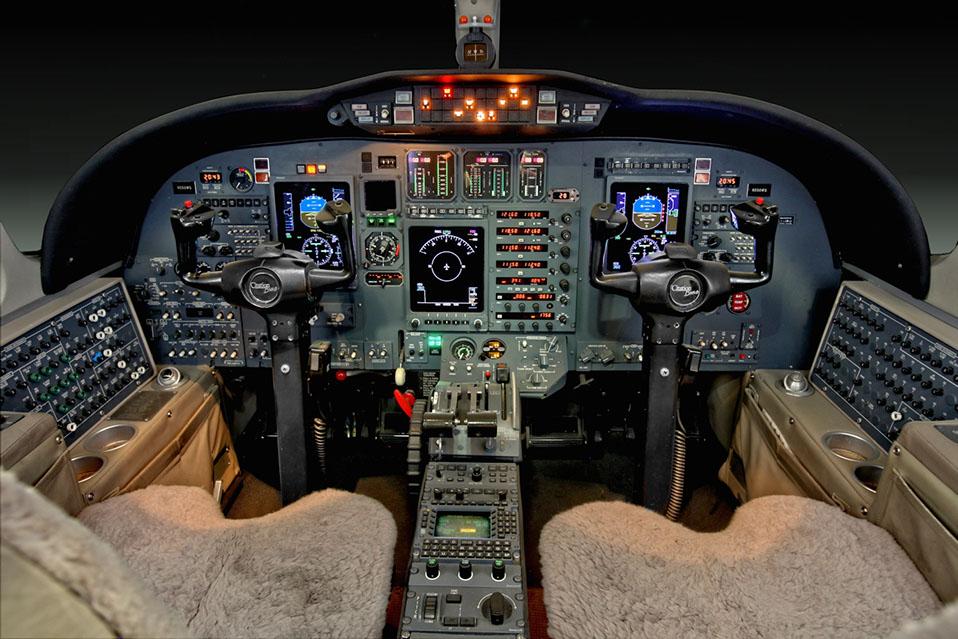 cit-bravo-sn0845-cockpit-135e.jpg