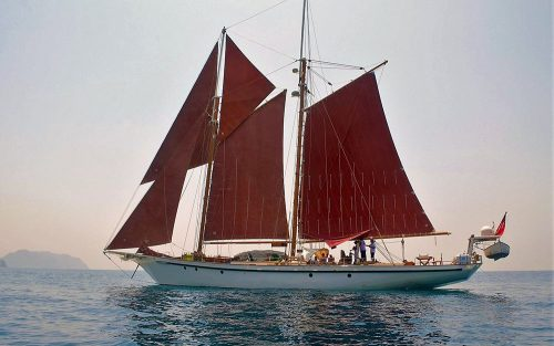 97-SA-PRITCHARD-SOUTH-AFRICA-1990-GAFF-RIGGED-TOP-SAIL-SCHOONER-Exterior2