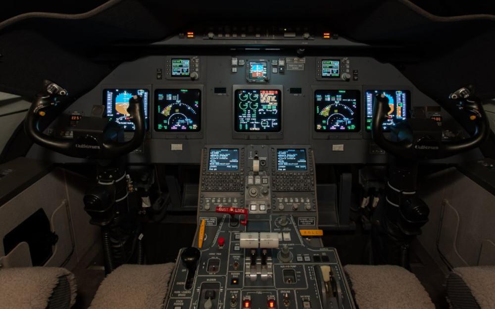 2008_Gulfstream_G200_SN_196_1