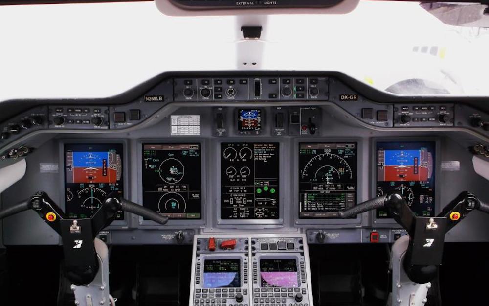 2009-Hawker-4000-sn-RC-16